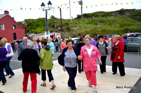 Burtonport Summer Fest - dancing