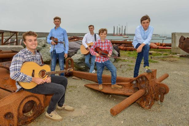 Popular Welsh family band, Y Brodyr Magee /The Magee Brothers, will perform at the special Welsh/Cymru Festival Club Night at the Mount Errigal Hotel, Letterkenny, on Friday night, April 26th, from 8.00pm.